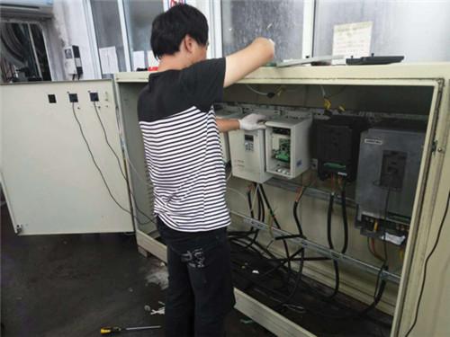 化学助剂生产线上的奥圣全密封变频器