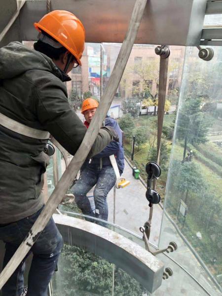 凱旋明天觀光電梯玻璃維修更換 (4)