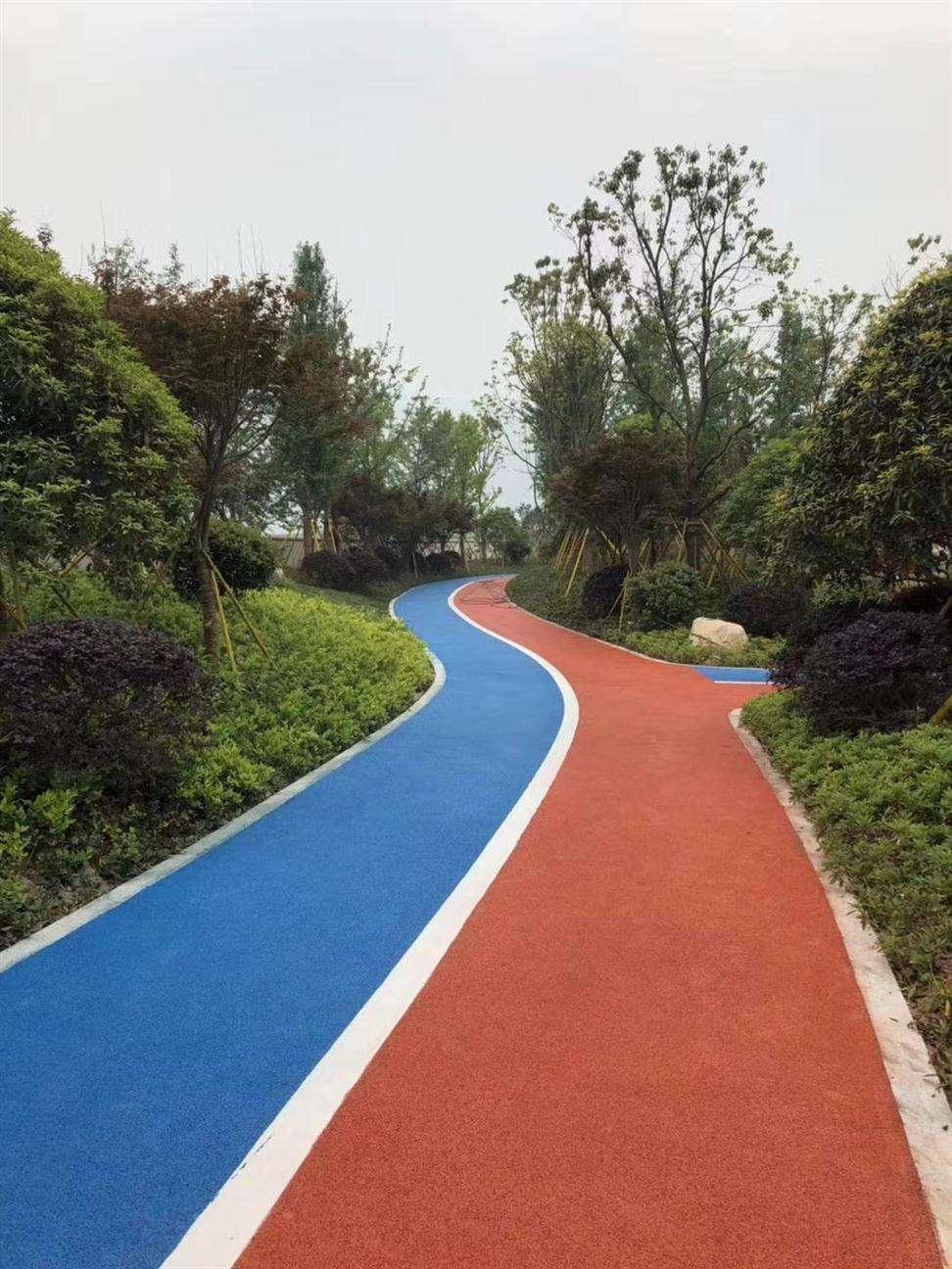 彩色防滑道路