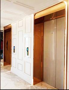 不锈钢电梯门5