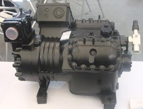 半封闭活塞式制冷压缩机4SJH-3000